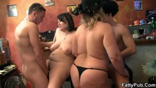 Crazy Chubby Group Sex Groupsex In The Pub